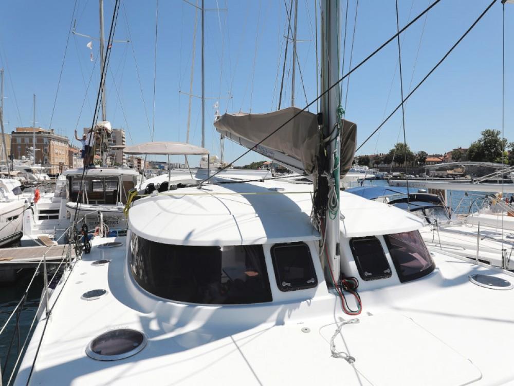 Boat rental Fountaine Pajot Lipari 41 in Zadar on Samboat