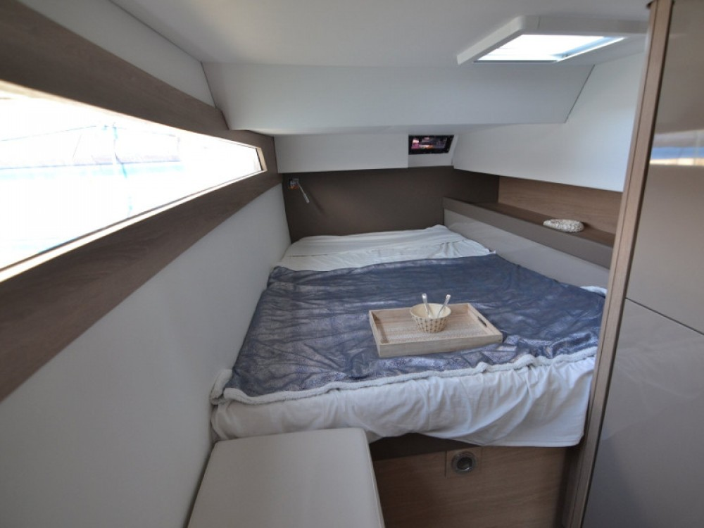 Rental yacht Marina Zadar -  Aventura 34 on SamBoat