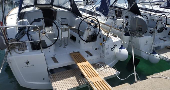 Rental Sailboat in Pirovac - Jeanneau Sun Odyssey 349