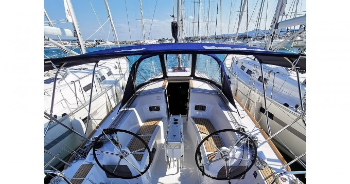 Hire Sailboat with or without skipper Jeanneau Drage