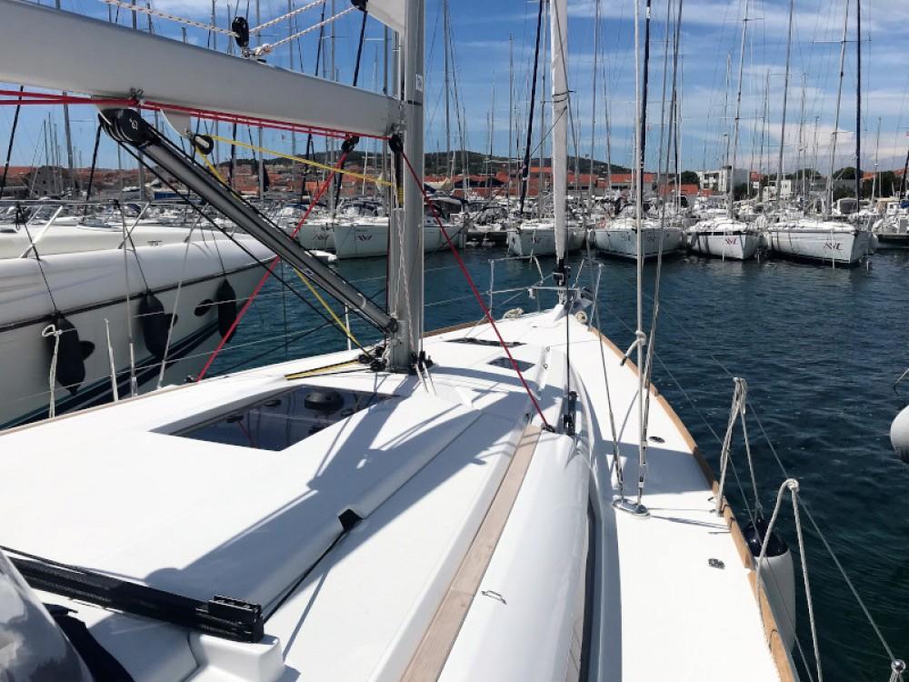 Boat rental Jeanneau Sun Odyssey 419 in Pirovac on Samboat