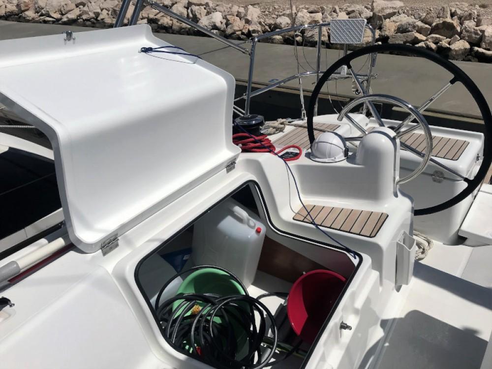 Rental Sailboat in Pirovac - Jeanneau Sun Odyssey 419