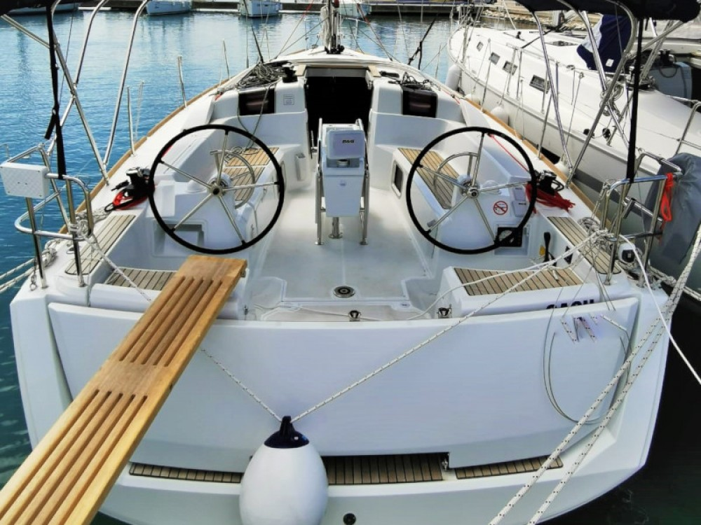 Rental Sailboat in Pirovac - Jeanneau Sun Odyssey 389