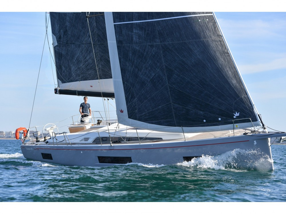 Rental yacht Álimos - Bénéteau Oceanis 46.1 on SamBoat