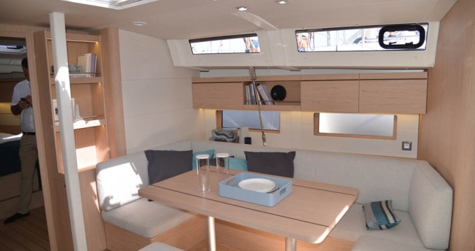 Bénéteau Oceanis 46.1 between personal and professional Athens