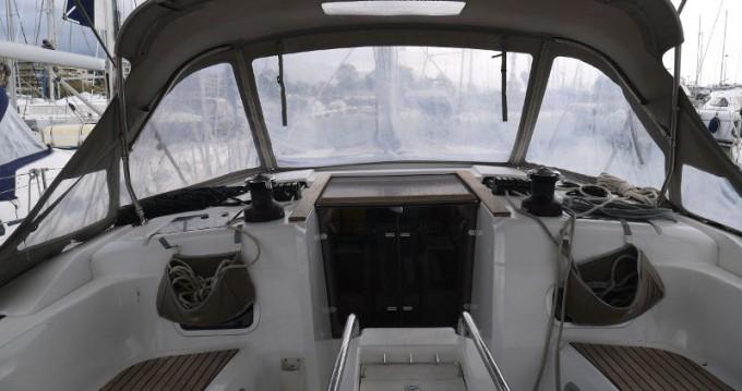 Rental yacht Salamina - Jeanneau Sun Odyssey 469 on SamBoat
