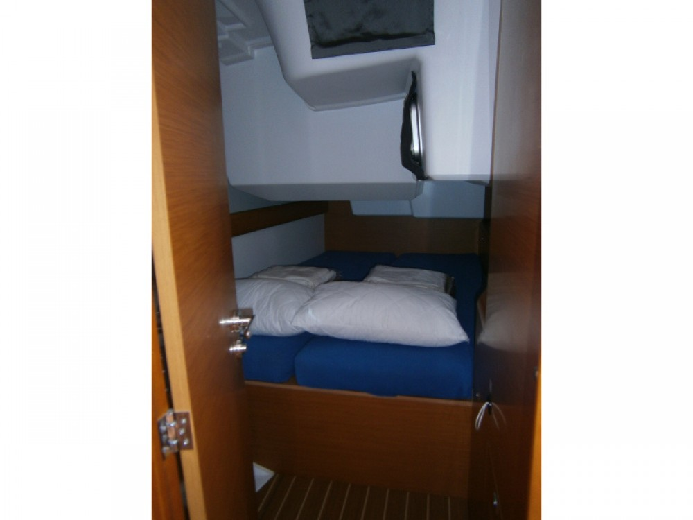 Jeanneau Sun Odyssey 469 between personal and professional