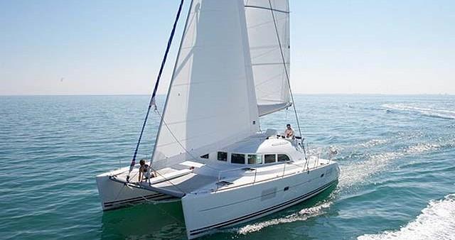 Rental Catamaran in Salamina - Lagoon Lagoon 380