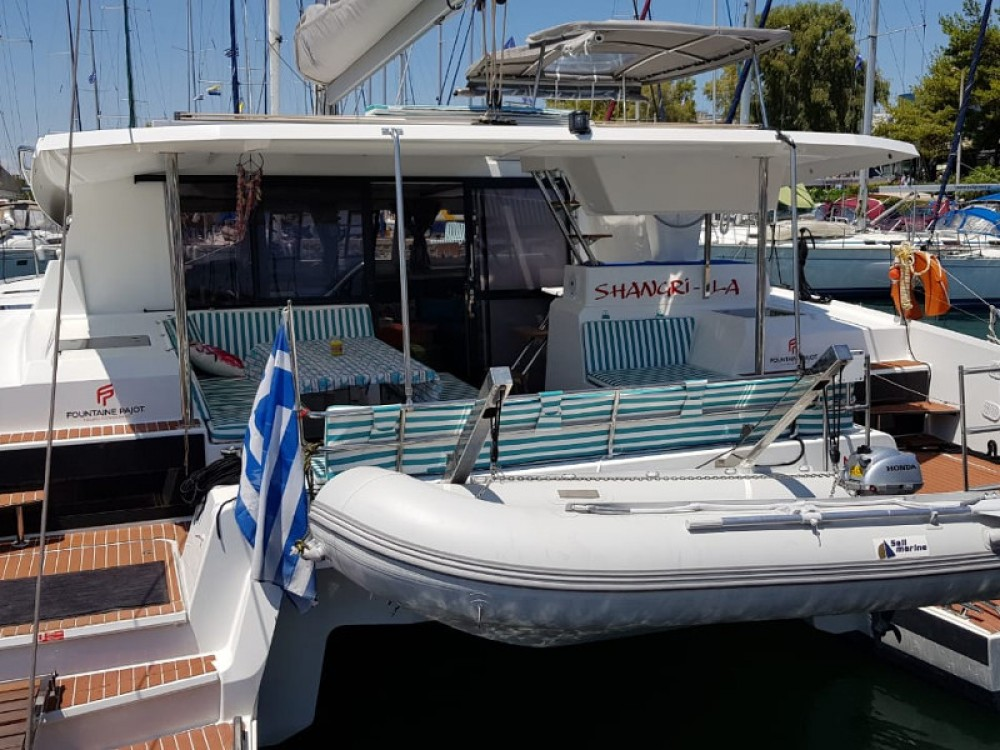 Boat rental Fountaine Pajot Astrea 42 in Alimos Marina on Samboat