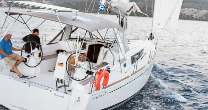 Boat rental Bénéteau Oceanis 38.1 in Lefkas Marina on Samboat