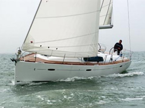 Rental Sailboat in Lefkas Marina - Bénéteau Oceanis 43