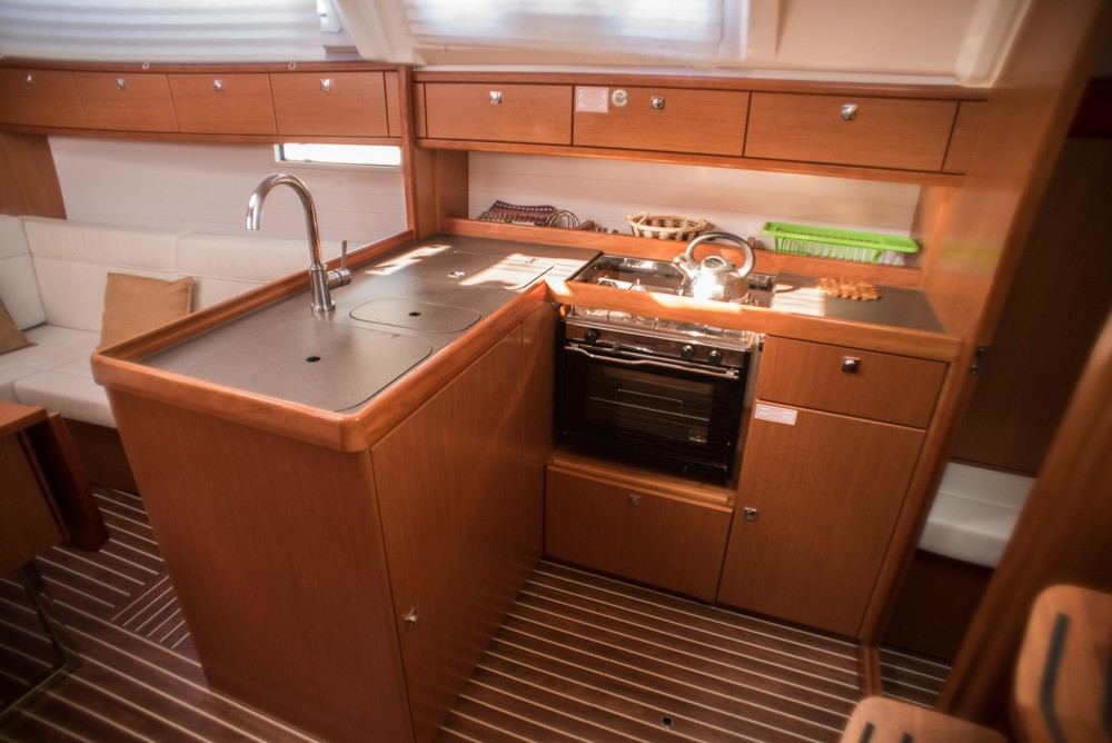 Rental yacht Lefkada - Bavaria Bavaria Cruiser 37 on SamBoat