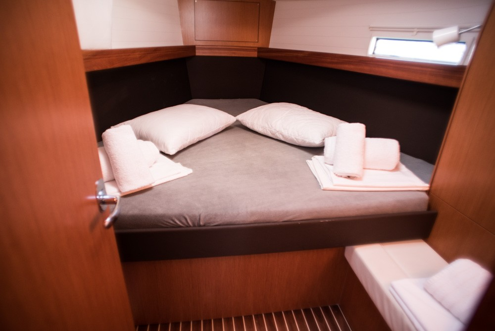 Bavaria Bavaria Cruiser 37 between personal and professional Lefkada