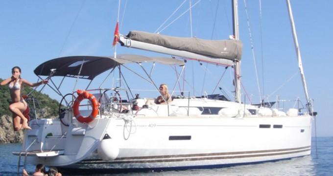 Boat rental Jeanneau Sun Odyssey 409 in Marmaris on Samboat