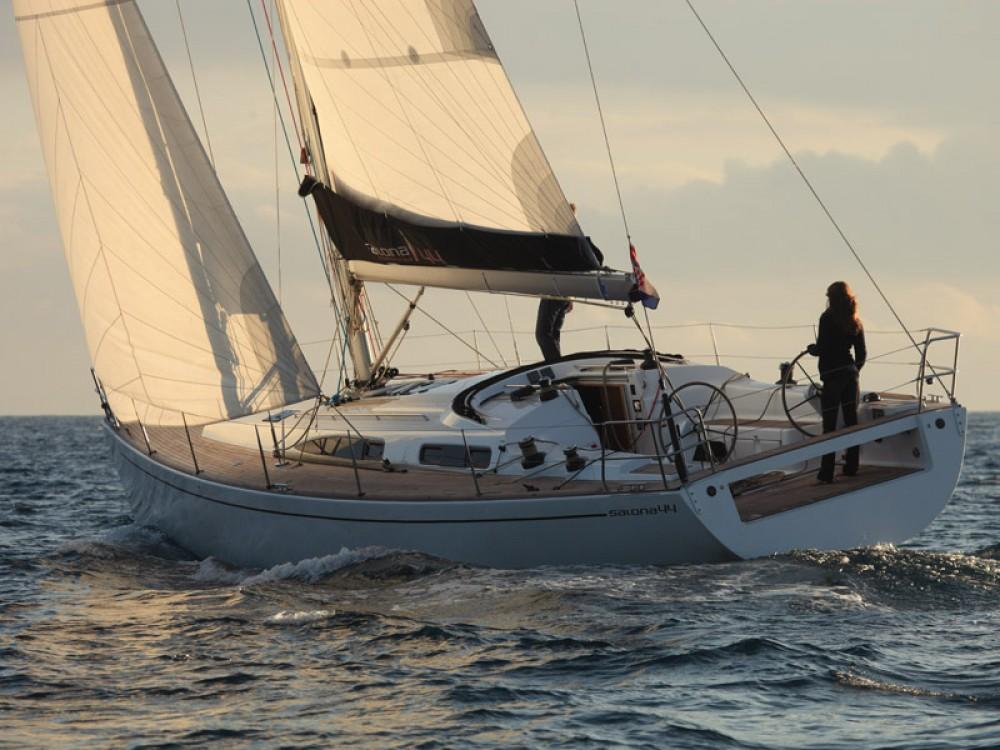 Boat rental Salona Salona 44 in Áno Sýros on Samboat