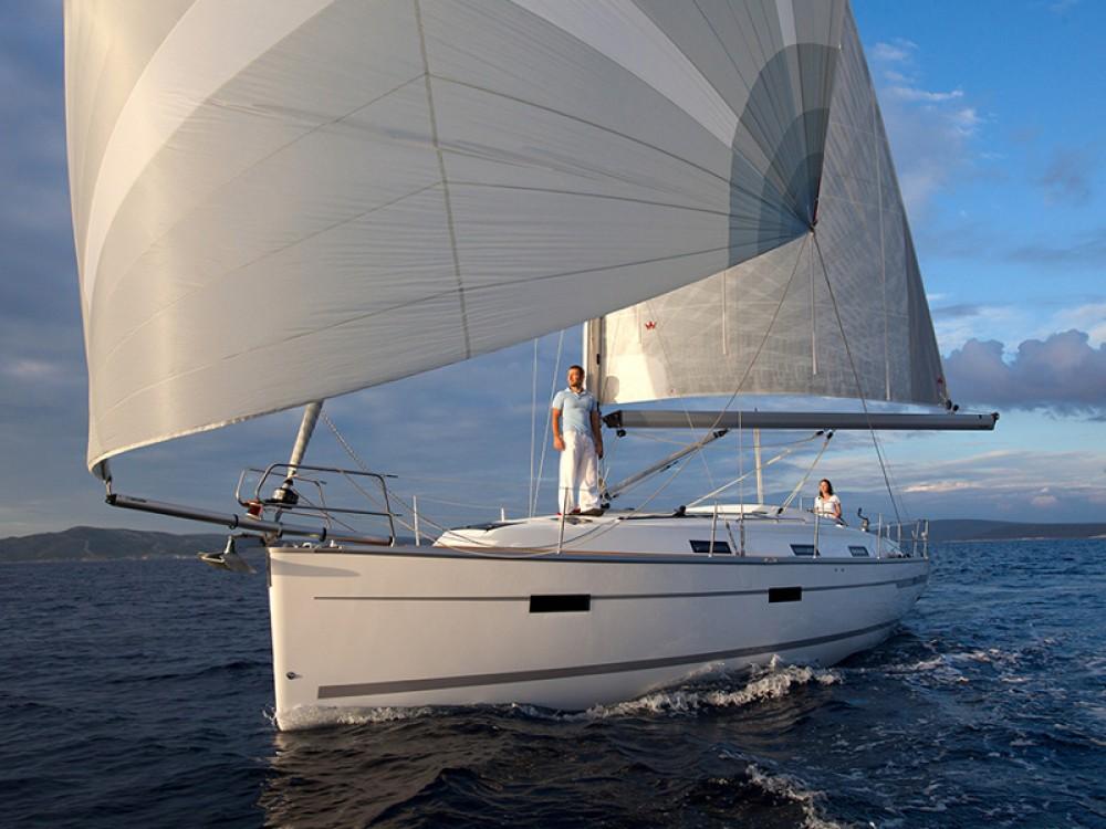 Boat rental Marina Naviera Balear cheap Bavaria Cruiser 36