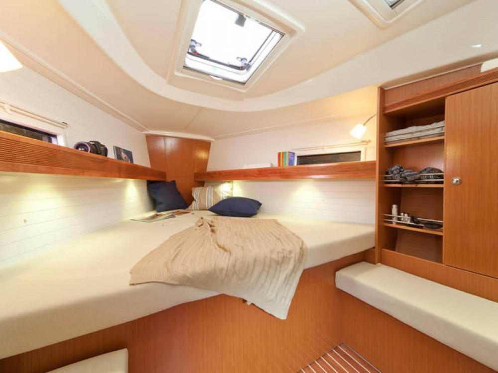 Rental Sailboat in  - Bavaria Bavaria Cruiser 36