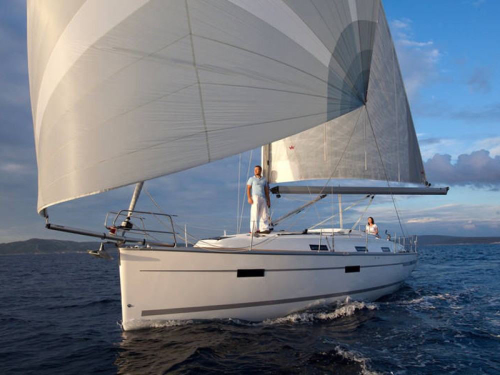 Rent a Bavaria Bavaria Cruiser 36