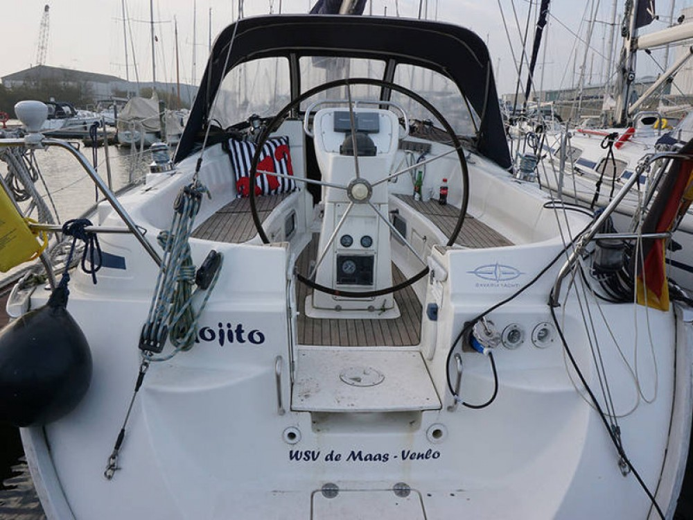 Rental yacht Lemmer - Bavaria Bavaria 36 Cruiser on SamBoat