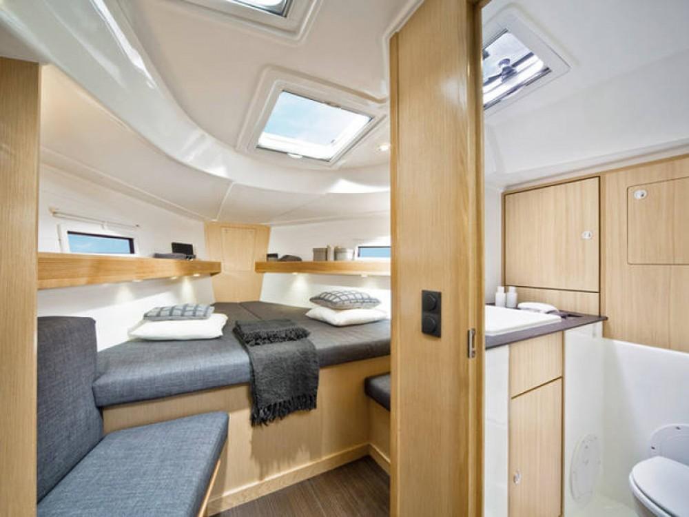 Rent a Bavaria Bavaria Cruiser 40 Palma