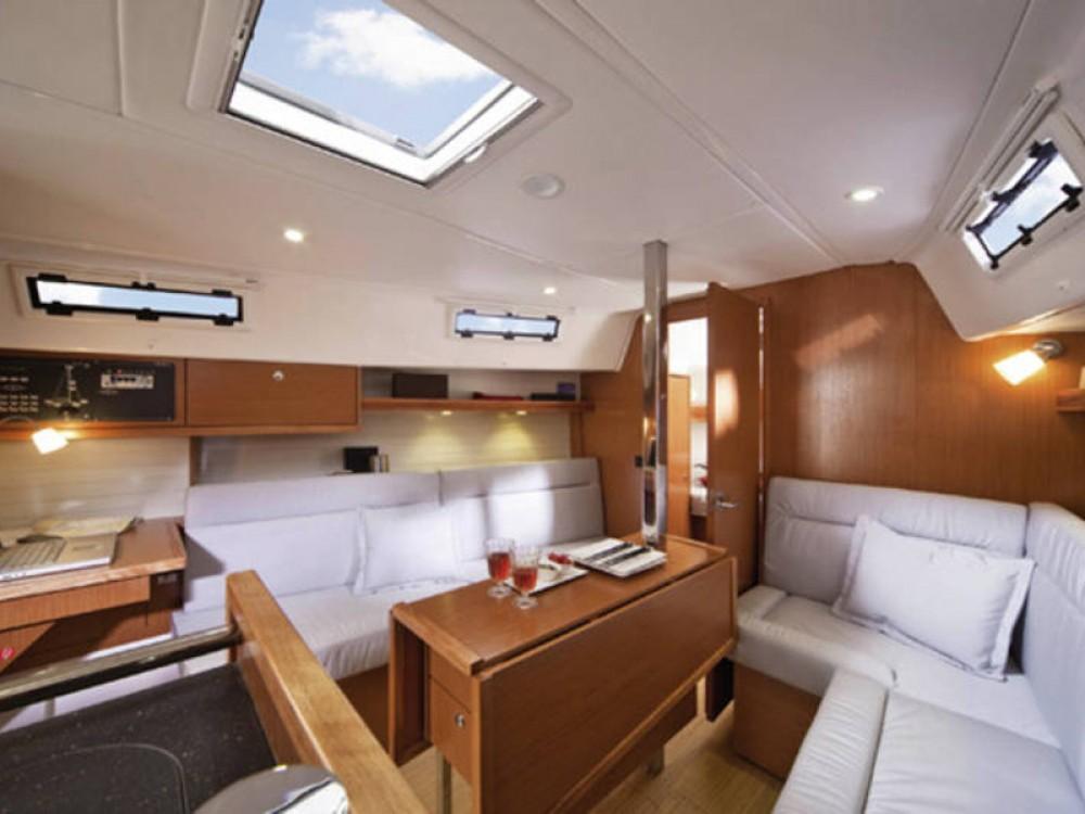 Bavaria Bavaria Cruiser 32  between personal and professional De Fryske Marren