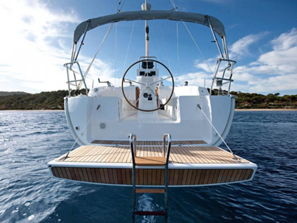 Hire Sailboat with or without skipper Bavaria De Fryske Marren