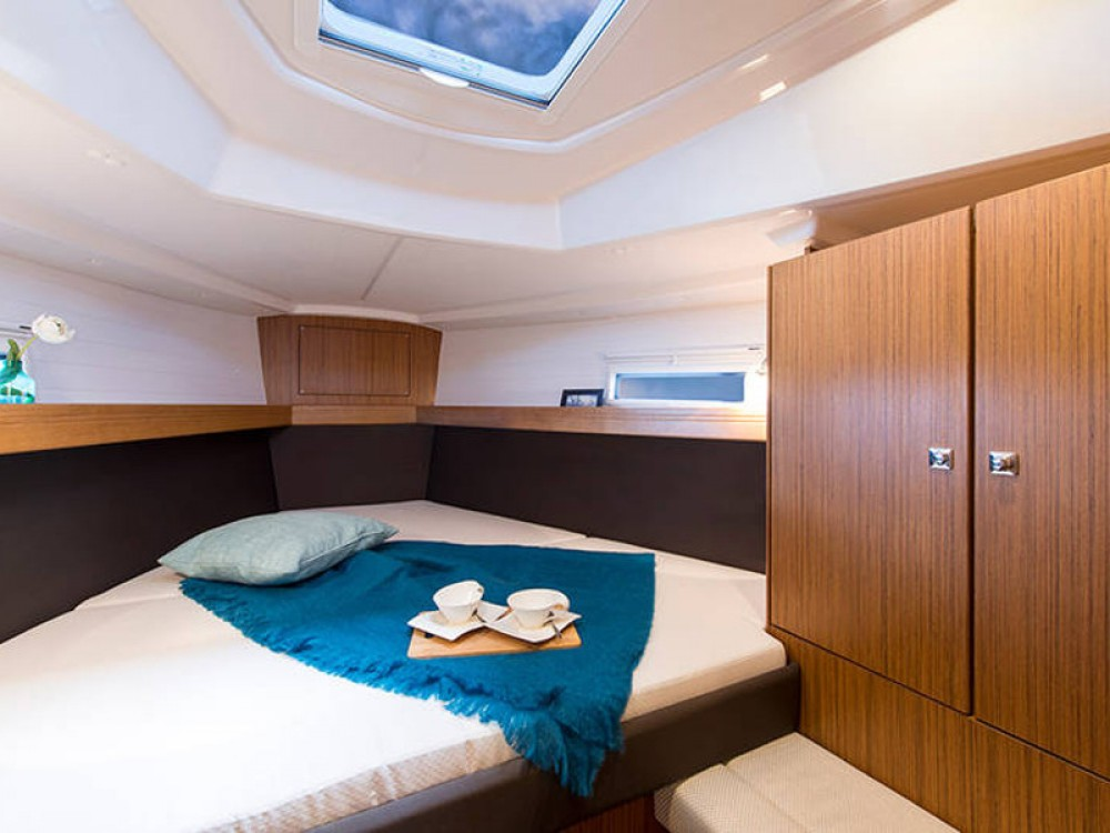 Rent a Bavaria Bavaria Cruiser 37 Palma