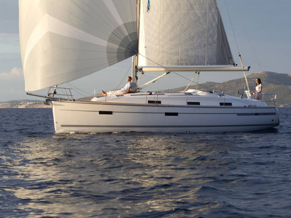 Boat rental Bavaria Bavaria Cruiser 36 in  on Samboat