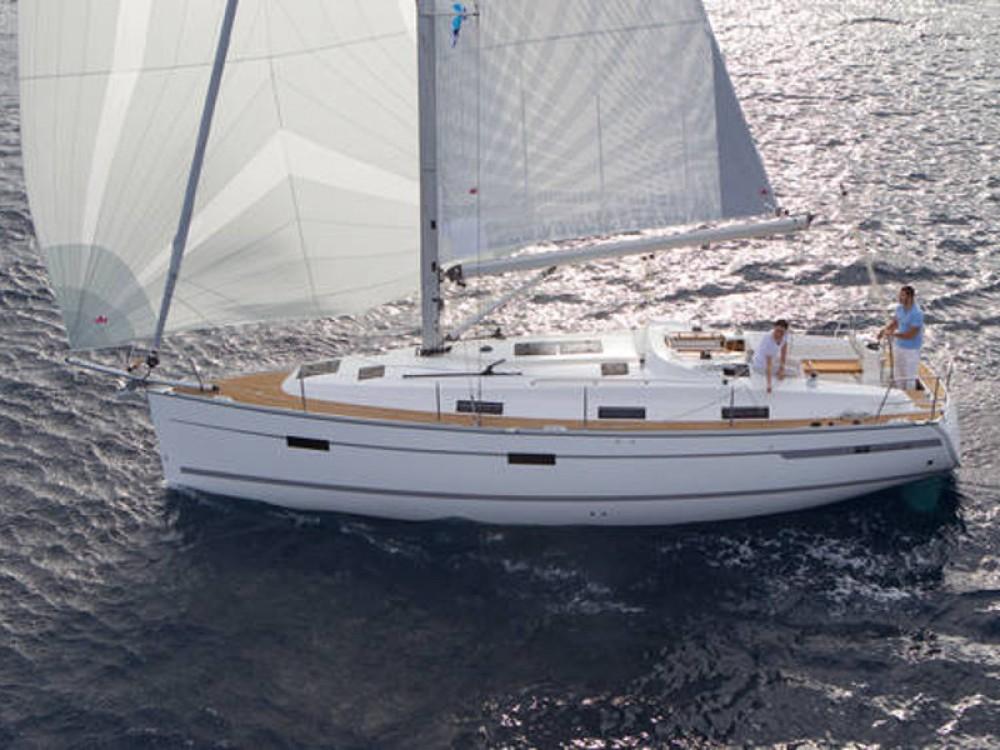 Rental Sailboat in  - Bavaria Bavaria Cruiser 36