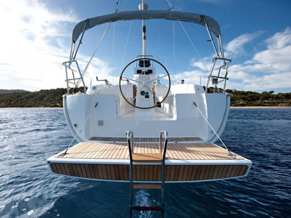 Boat rental  cheap Bavaria Cruiser 32