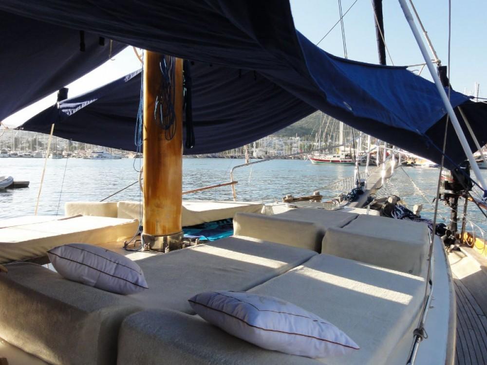 Rental Sailboat in Pirovac -  Gulet