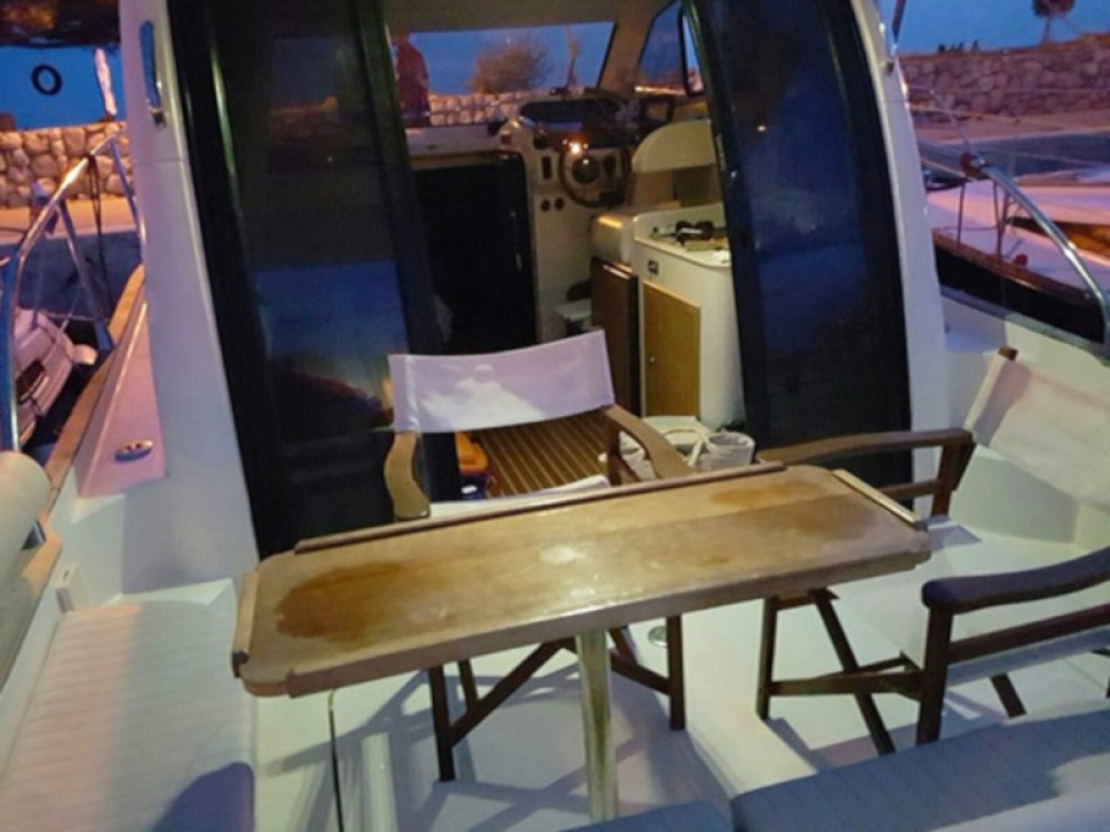 Rental Motor boat in Marina Kornati - Adex Adex Motivo 29