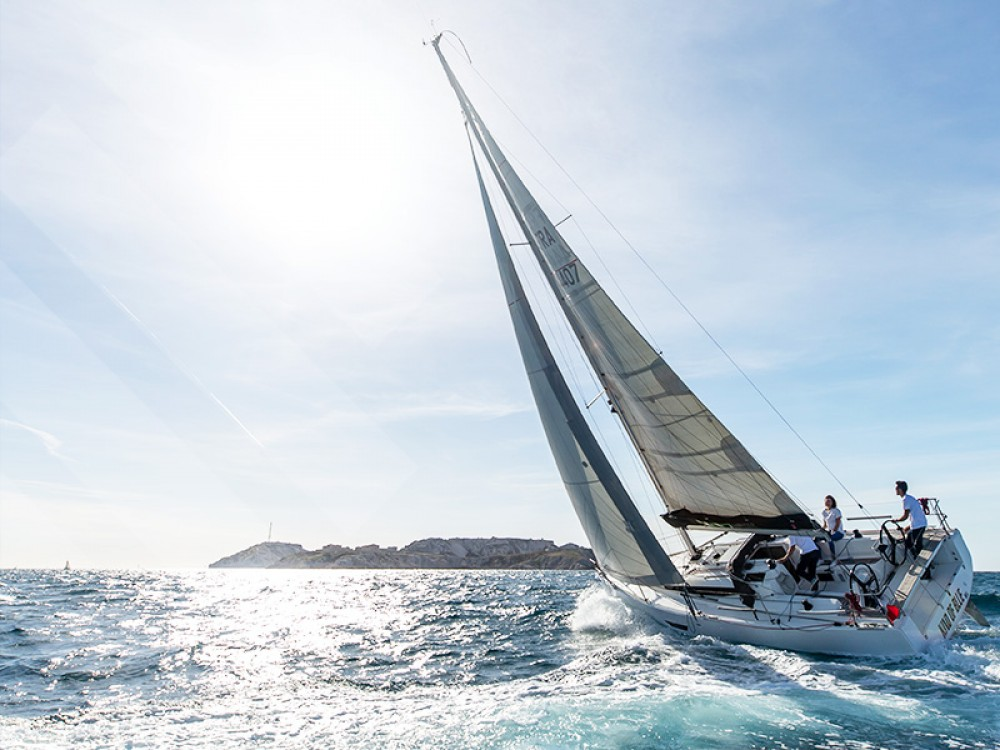 Rental Sailboat in  - Elan Elan S3