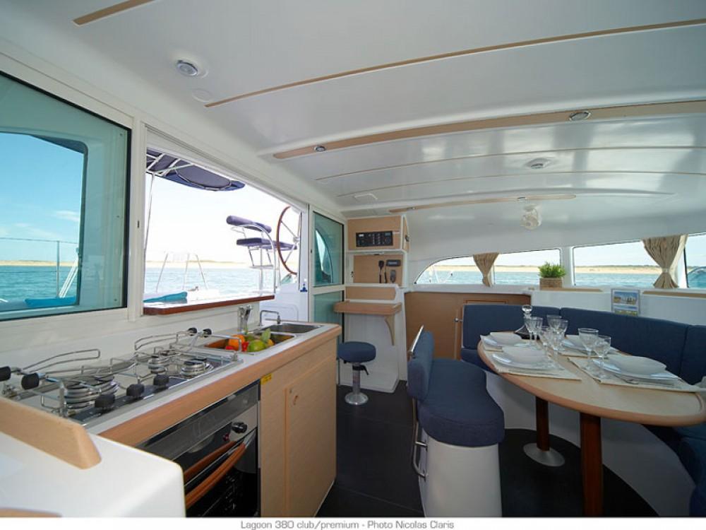 Rental yacht Le Marin - Lagoon Lagoon 380 on SamBoat