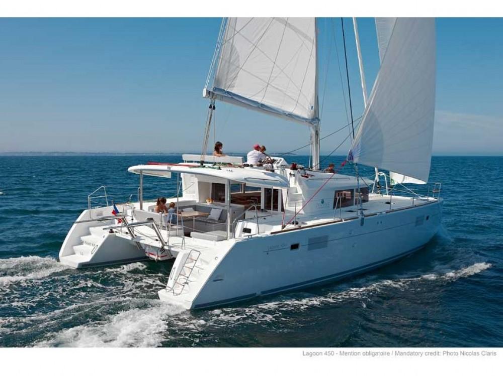 Rental Catamaran in Le Marin - Lagoon Lagoon 450