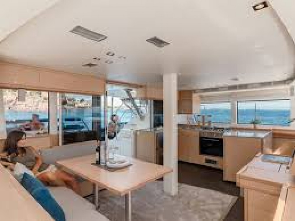 Boat rental Fountaine Pajot Saba 50 in Le Marin on Samboat