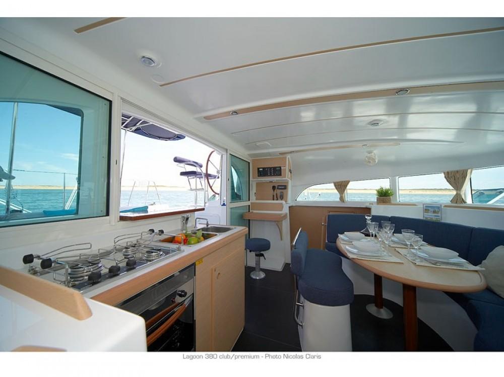 Rent a Lagoon Lagoon 380 PREMIUM Le Marin