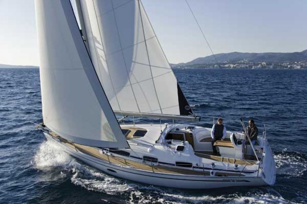 Rental Sailboat in Nacka - Bavaria Bavaria 35 Cruiser