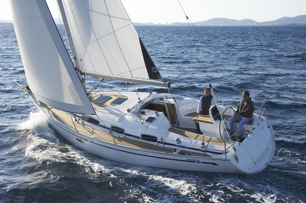 Rental Sailboat in Nacka - Bavaria Bavaria 35 Cruiser