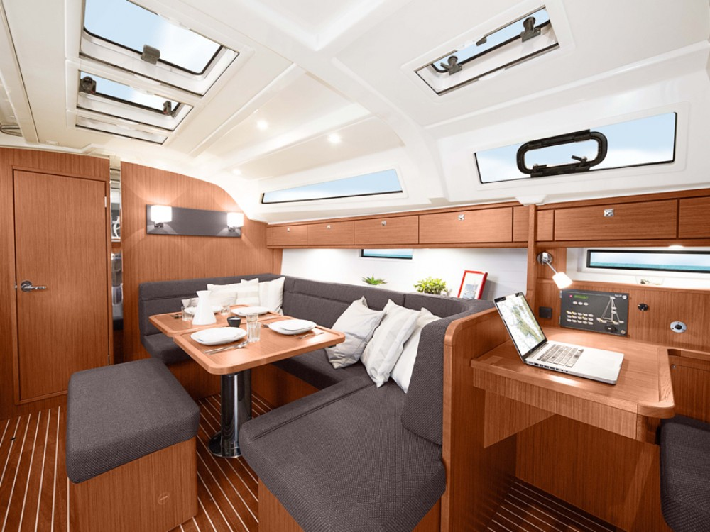 Rental yacht Morningside marina - Bavaria Bavaria Cruiser 41 on SamBoat