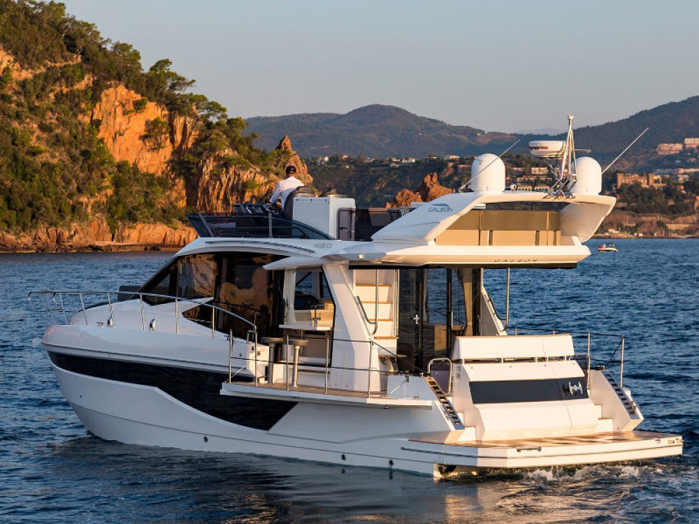 Hire Motorboat with or without skipper Galeon Šibenik