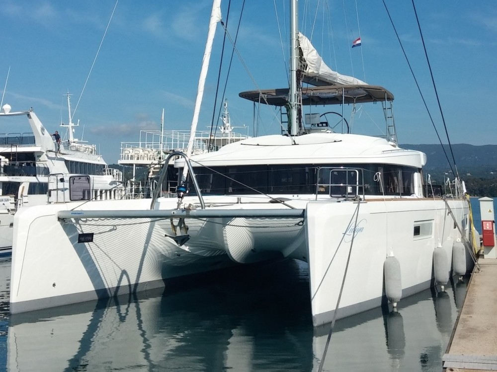 Rental Catamaran in Sibenik - Lagoon Lagoon 52-4