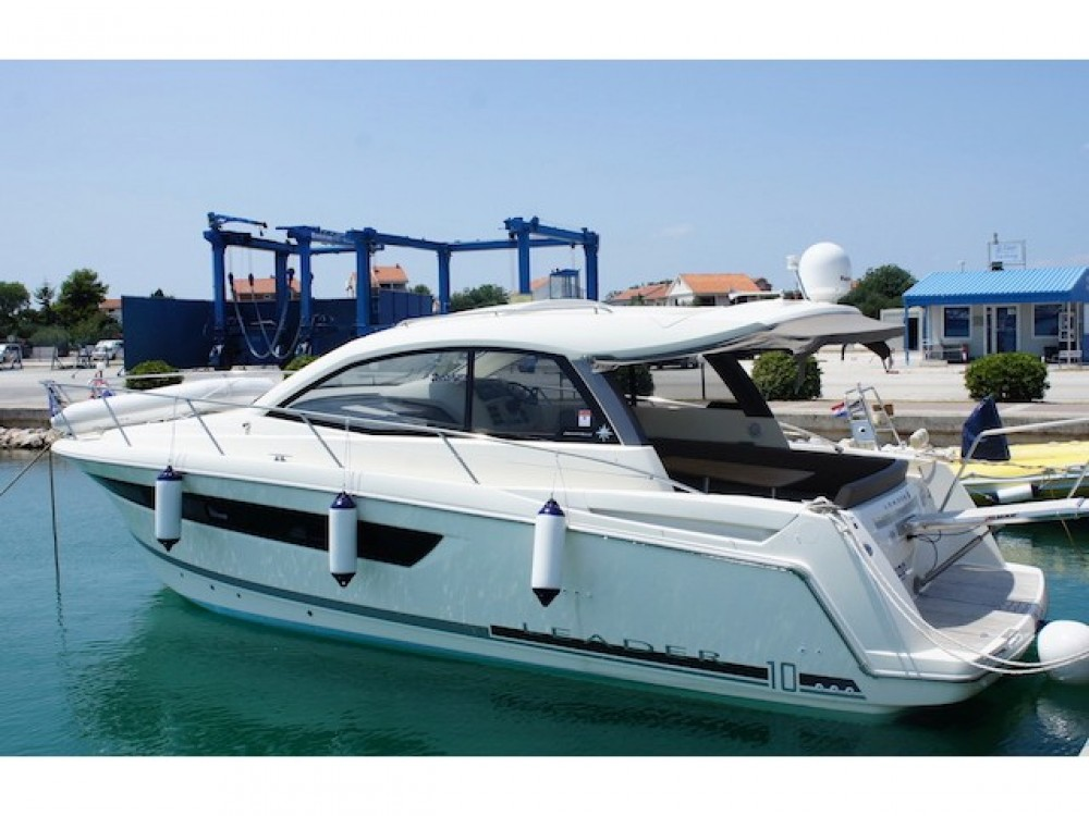 Motorboat for rent Šibenik at the best price