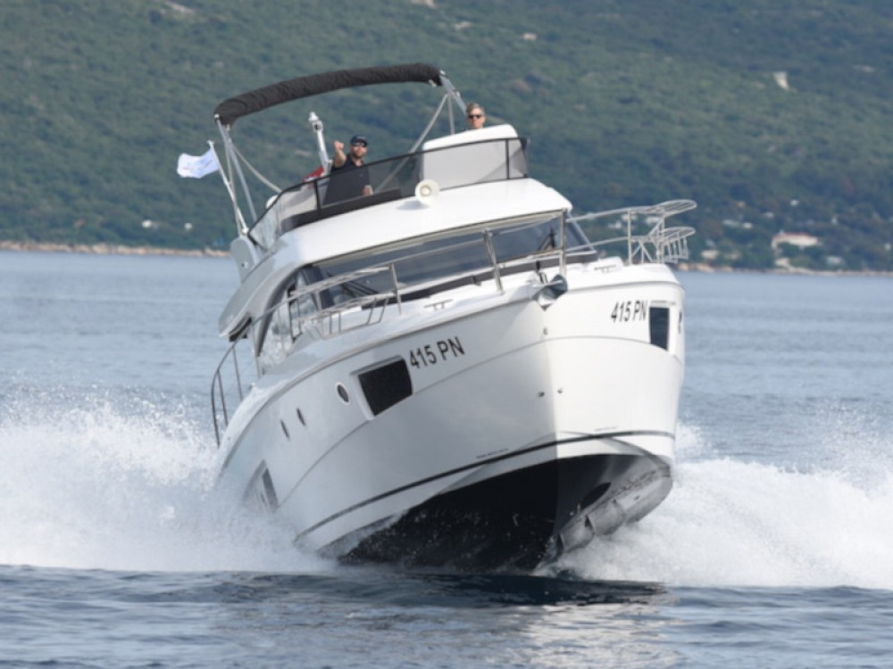 Rental Motorboat Bavaria with a permit