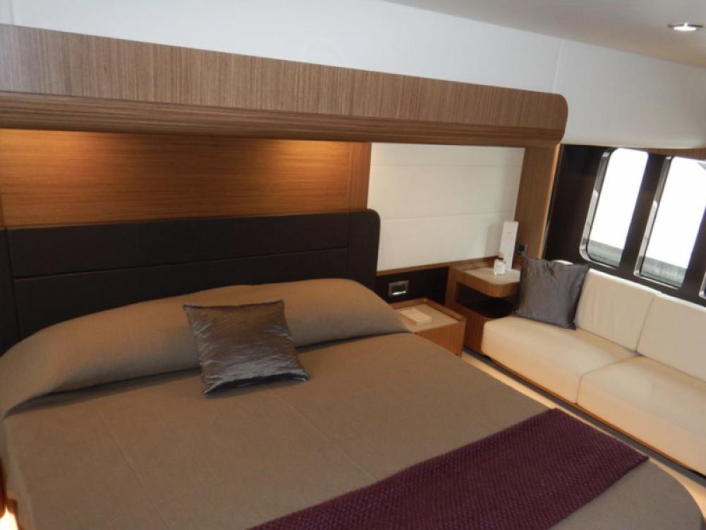 Rental Motor boat in  - Absolute Navetta 52