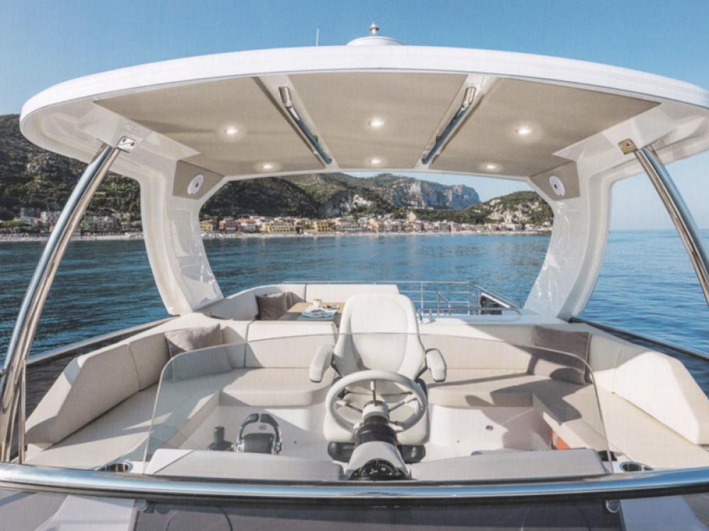 Boat rental Absolute Navetta 52  in  on Samboat