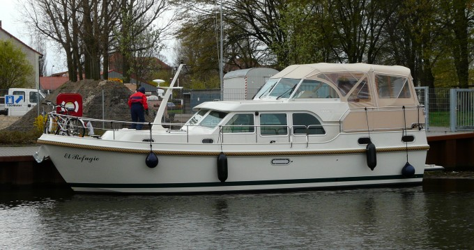 Motorboat for rent Mirow at the best price
