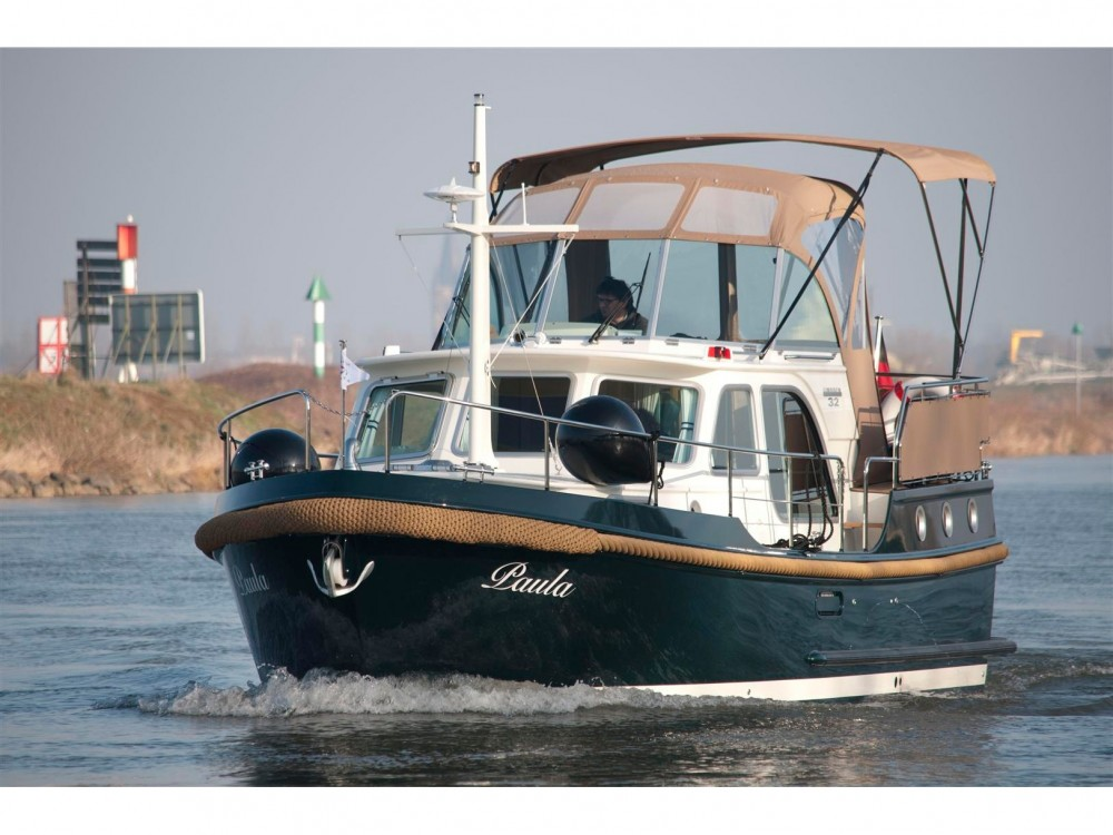 Motorboat for rent Buchholz at the best price