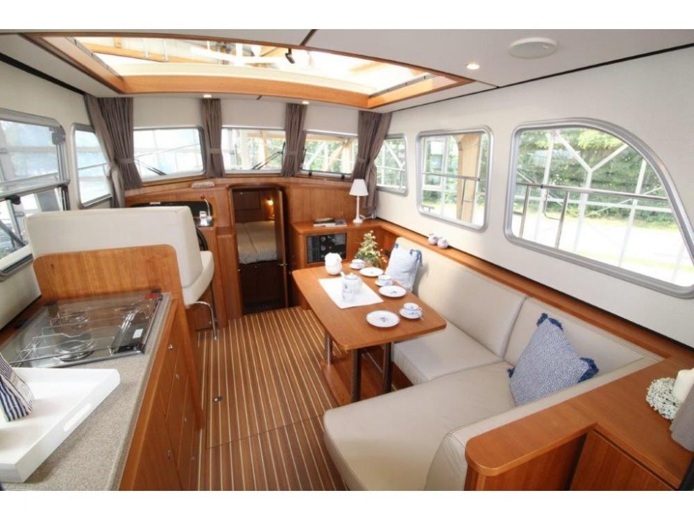 Rental Motorboat in  - Linssen Linssen 290 Sedan