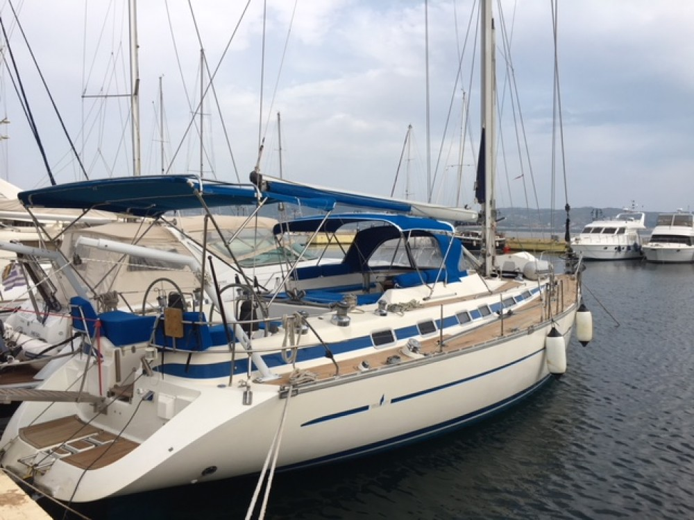 Sailboat for rent Akhíllio at the best price